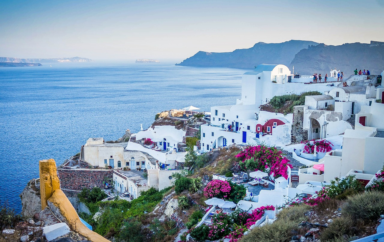 ACCOMMODATION AVAILABLE IN GREECE